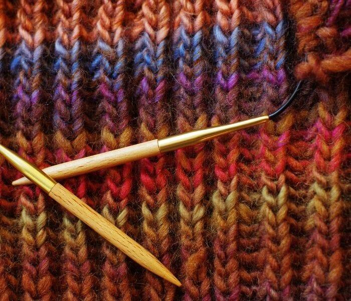 cast knitting needle Stitches