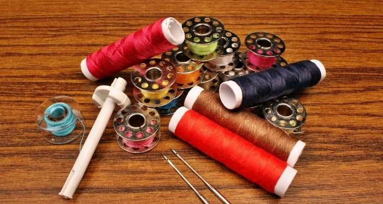 type of thread should you use to sew with stretch fabric